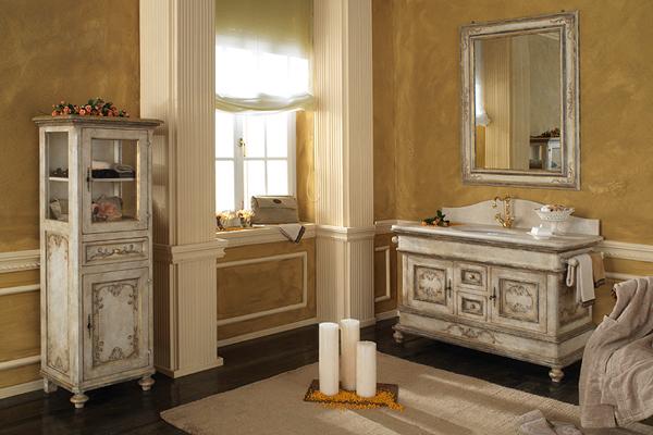 Ванная комната большого размера в классическом стиле