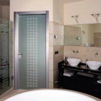 Советы по выбору дверей в ванной и туалете
