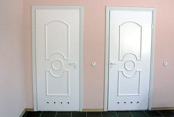 Пластиковые двери в ванную комнату