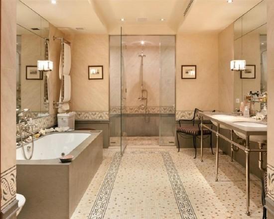 Мозаичный орнамент, украшающий стены ванной, повторяется и в отделке пола