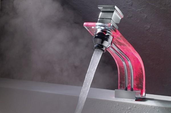Сенсорный смеситель для ванной
