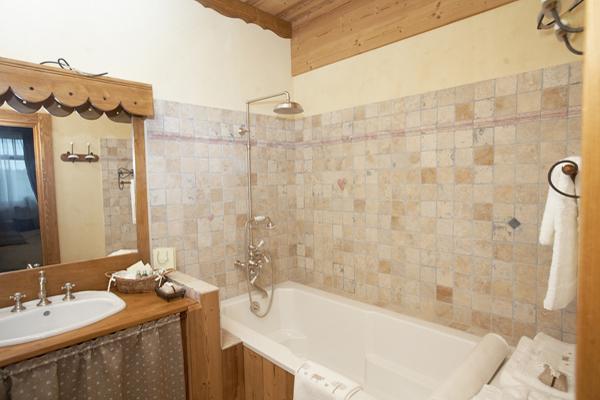 Цветовая гамма стиля прованс в ванной комнате