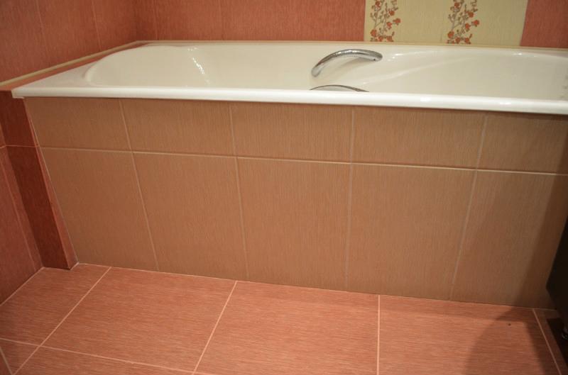 Как закрыть ванну сбоку своими руками 82