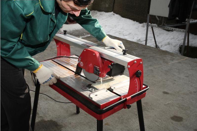 Электрический плиткорез для резки плитки