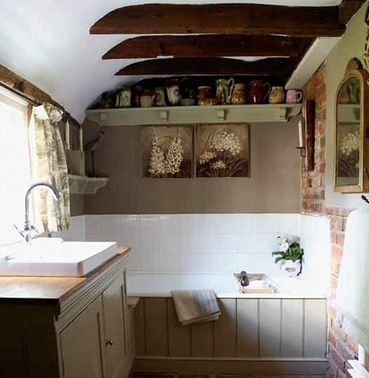 Имитация балочного потолка в ванной – первый отличительный признак стиля прованс