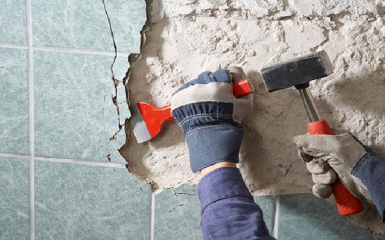 Как очистить стену от плитки