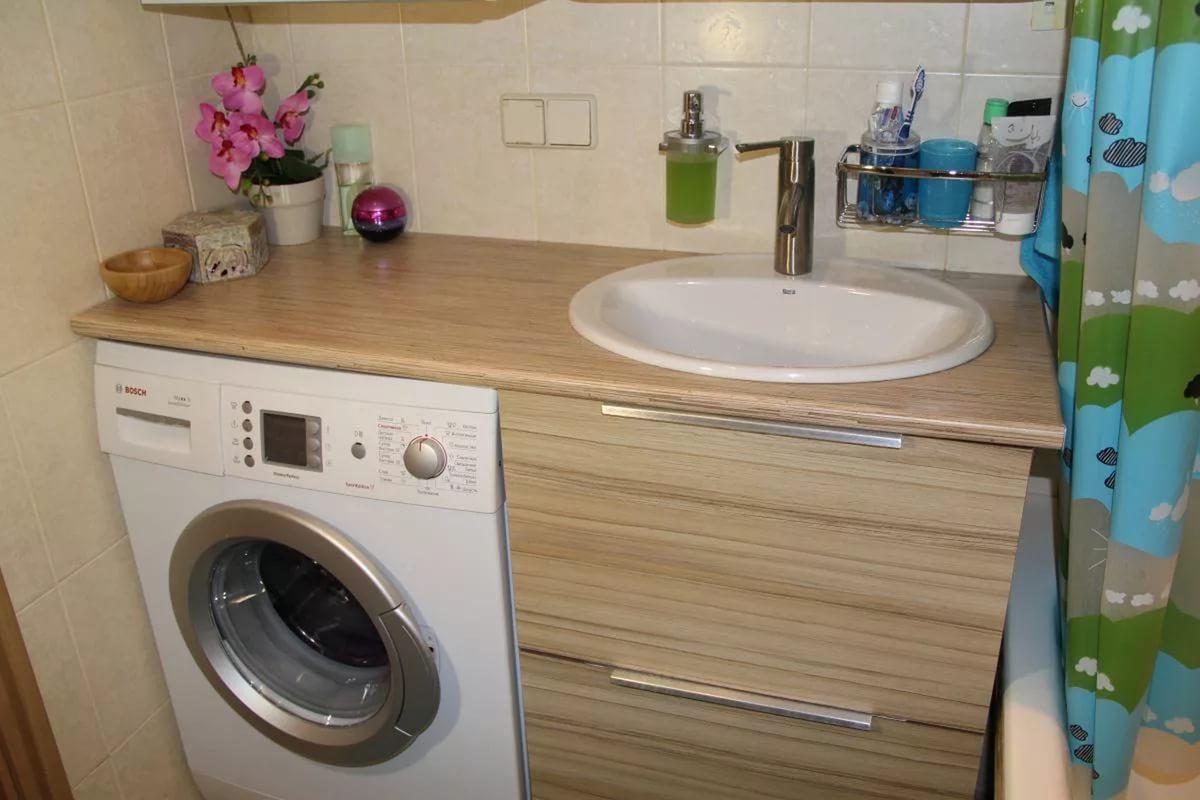 beine waschen am waschbecken