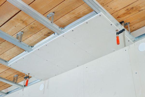 Монтаж гипсокартонных листов на потолок
