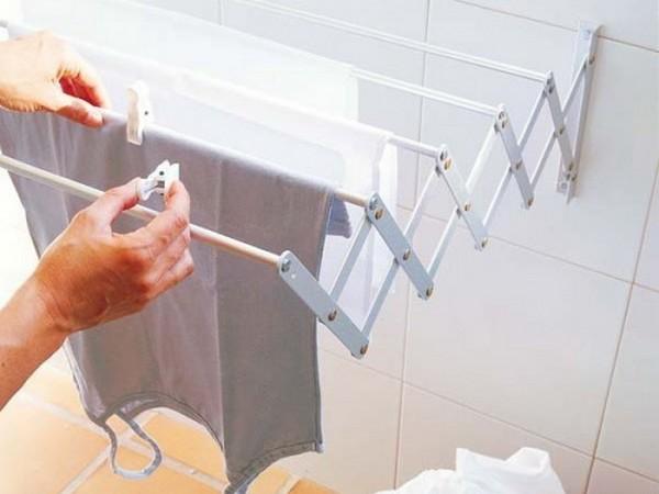 Раздвижная настенная сушилка для белья в ванную комнату