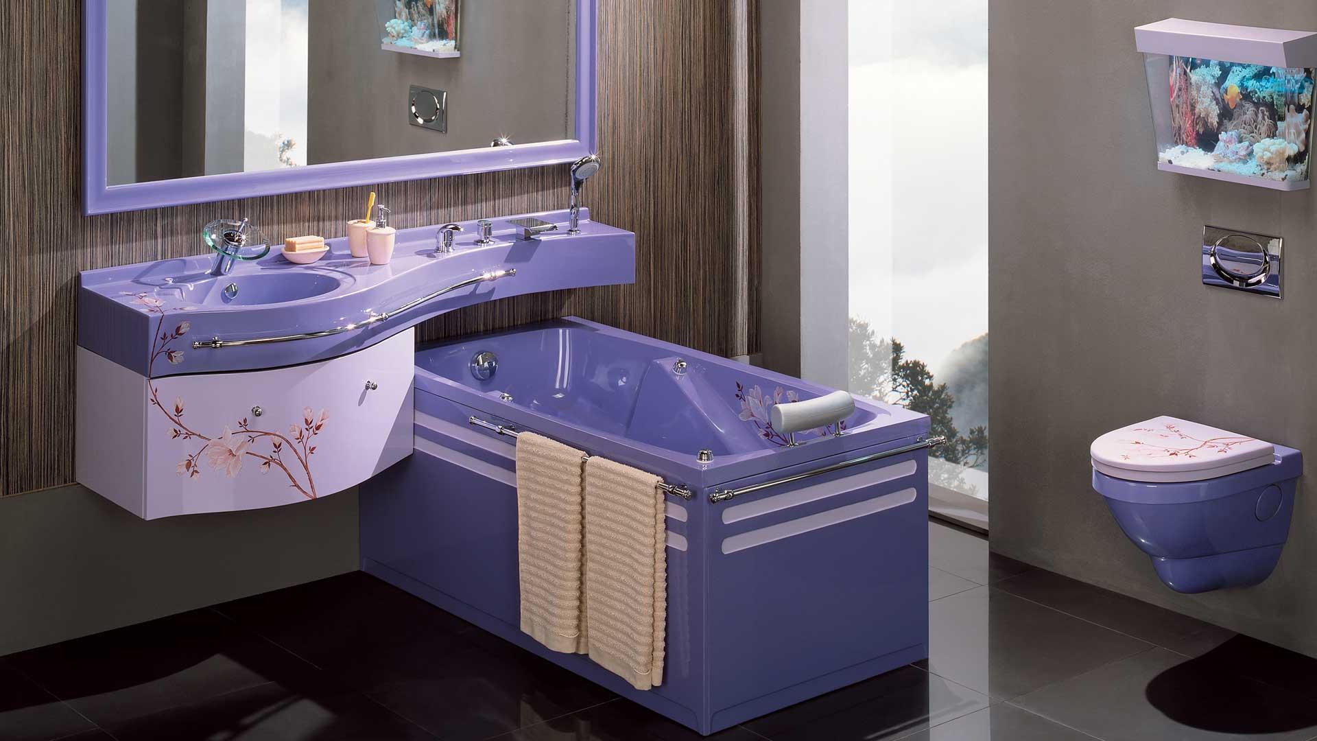 Сантехника фиолетового цвета