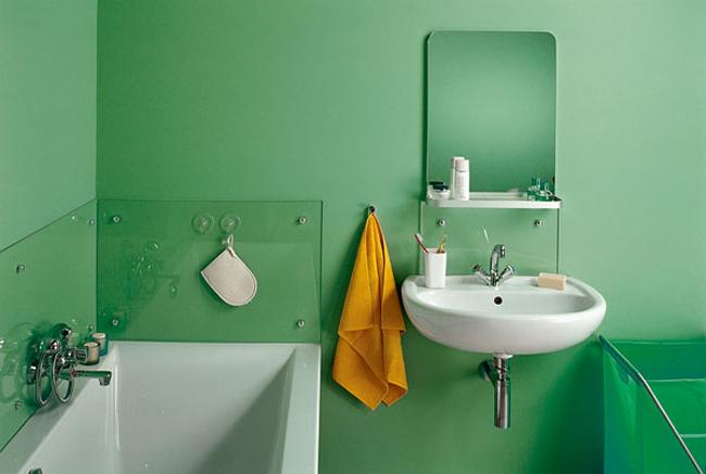 Стеклянные панели защищают окрашенную поверхность от воды