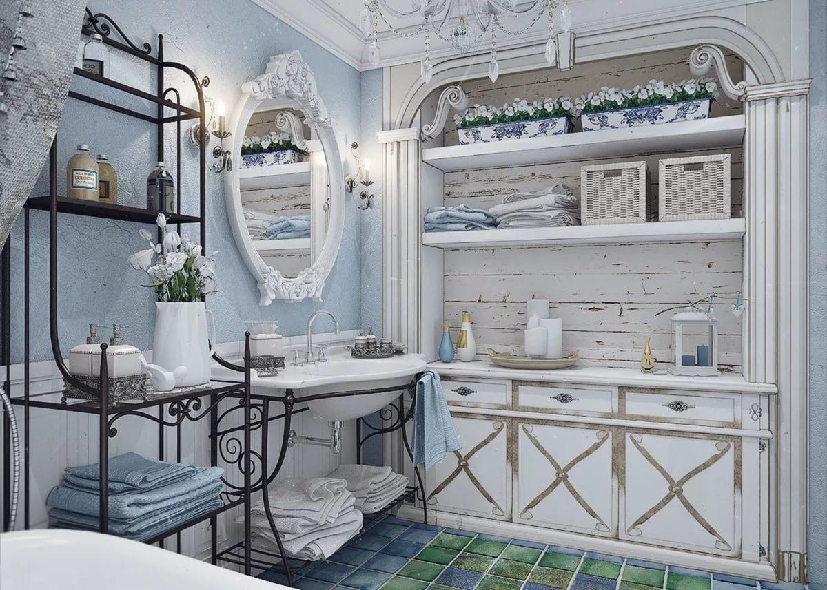 Вариант оформления зеркала в ванной