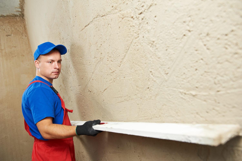 Выравнивание стен штукатурка
