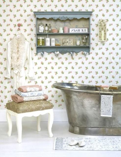 Железная ванна в стиле прованс