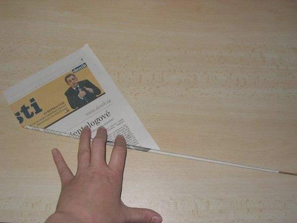 Трубочка из газетного листа