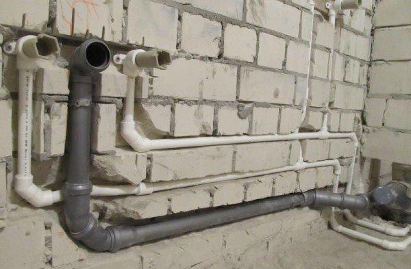 Канализационные трубы внутри квартиры