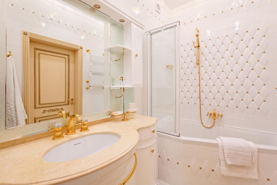 Классические аксессуары для ванной комнаты