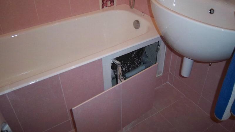 Люк ревизии для доступа под ванну