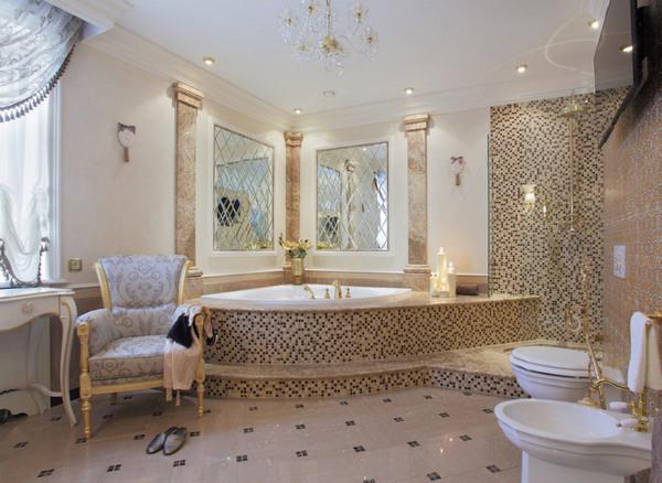 Мозаика в классической ванной