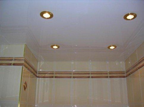 Потолок из бесшовных панелей