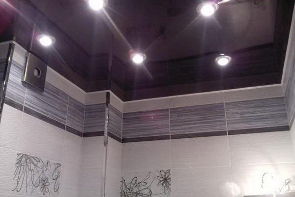 Потолок темного цвета