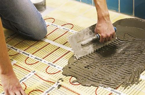 Устройство стяжки под теплый пол с использованием цементного раствора