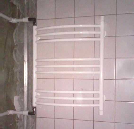 Водяные полотенцесушители с боковым подключением