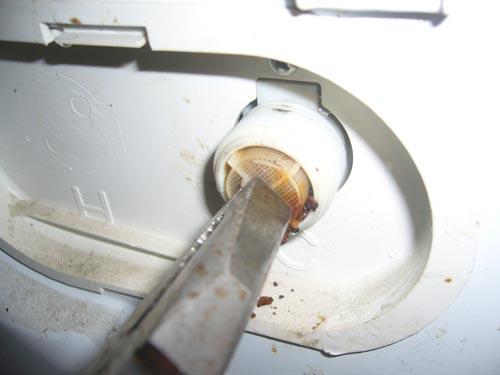Забился фильтр входного клапана
