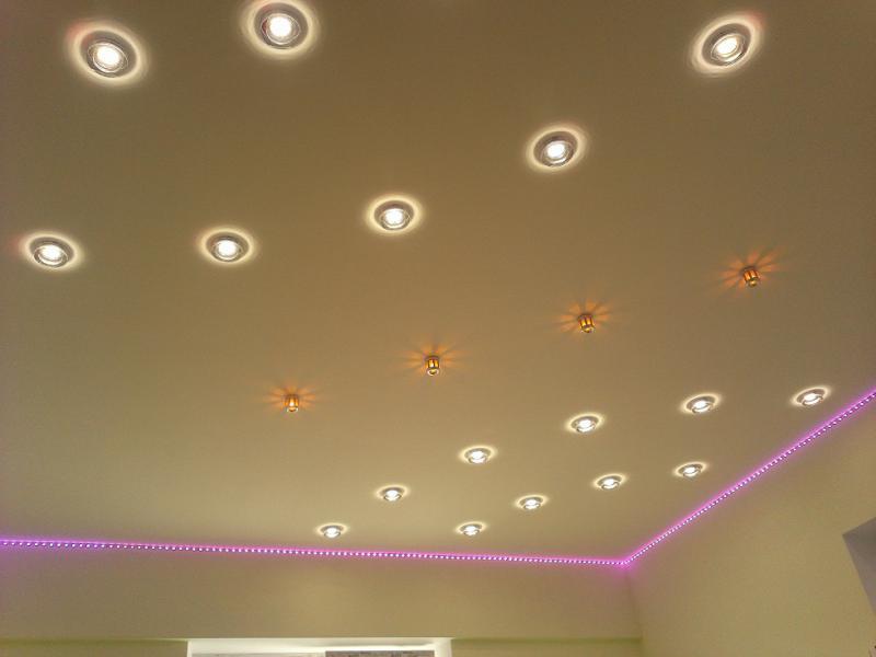 Пример применения точечных светильников