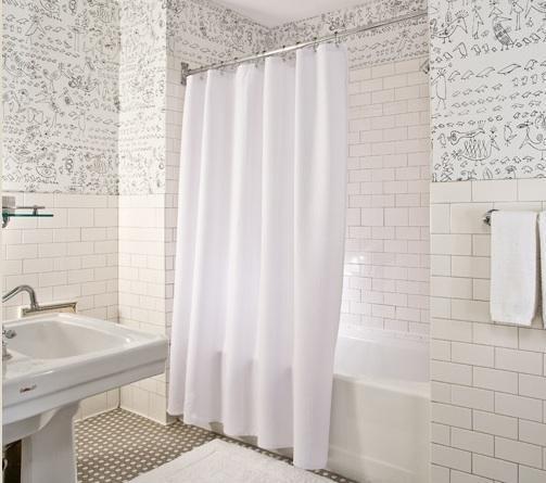 Белые оттенки в ванной комнате 2018