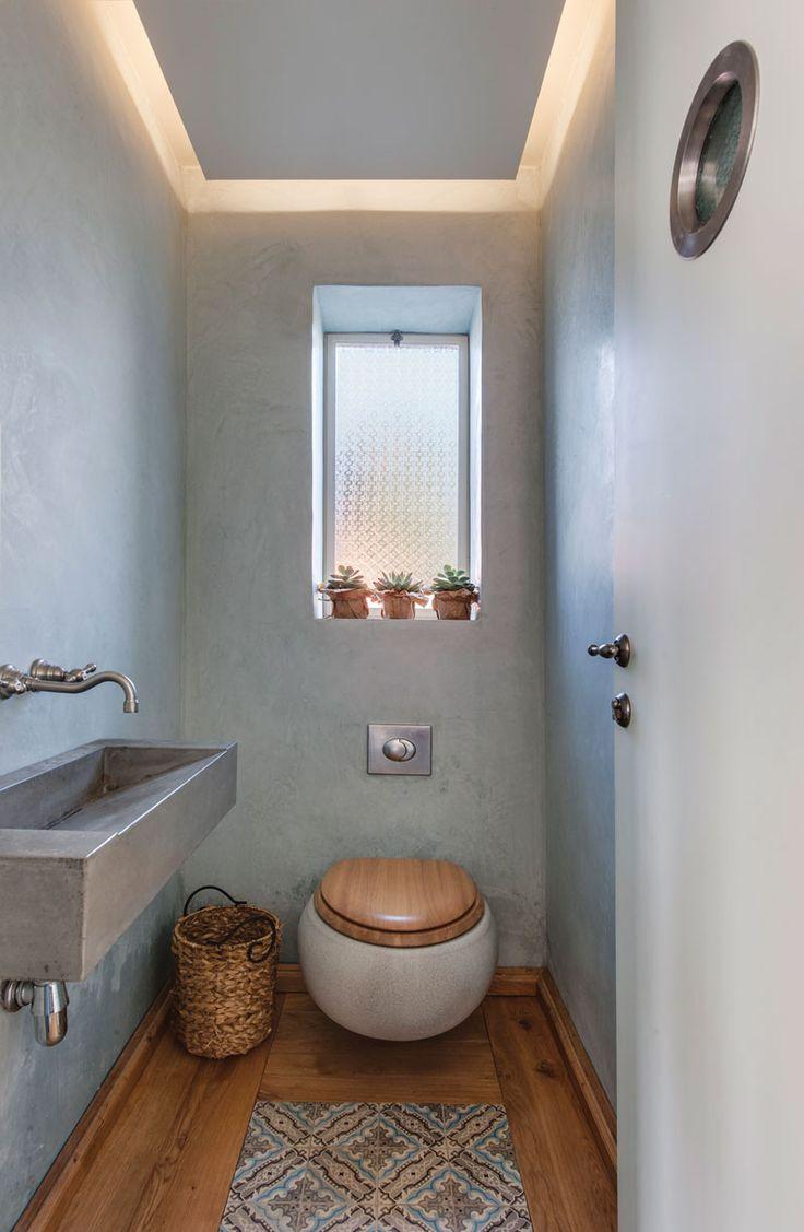 Интерьер туалета маленького размера должен быть детально проработан с учетом функционального назначения комнаты