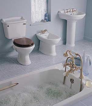 Красивый вариант сантехники для модной ванной комнаты