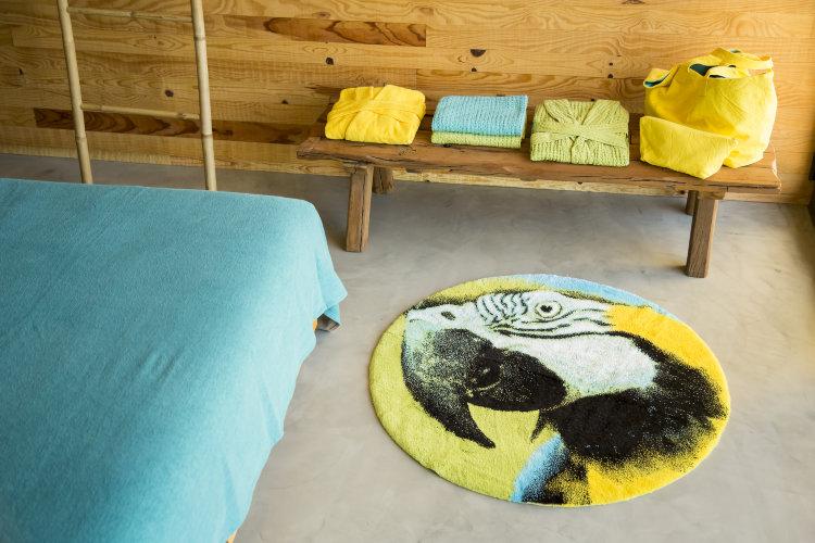 Круглый вариант коврика для офромления интерьера ванной