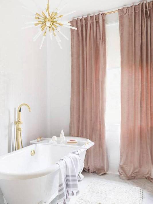 Можно ли вешать обычные тюль и занавески в ванную