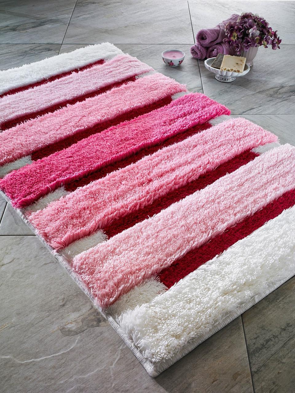 Оригинальный розовый коврик для ванной