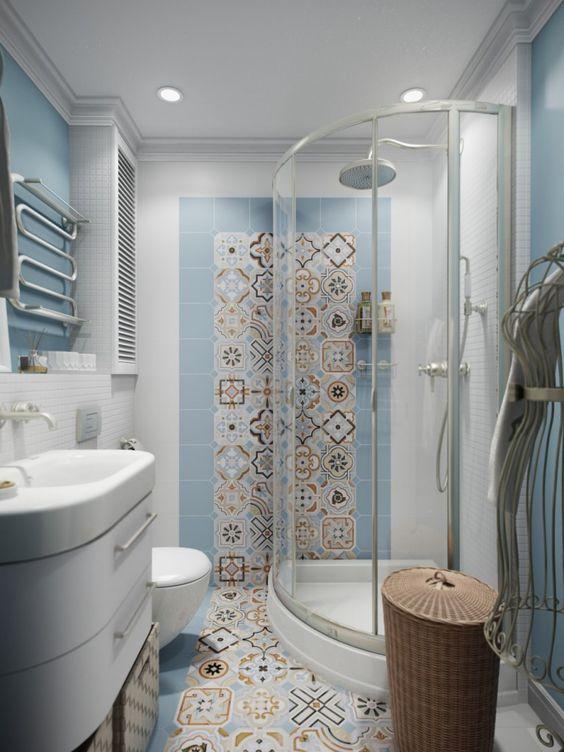 Применение наклеек на стены в ванной