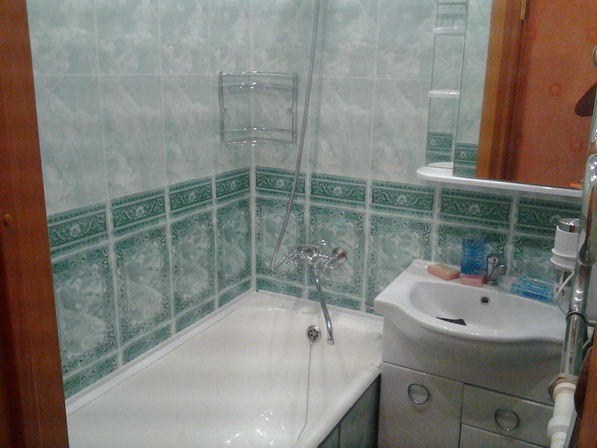 Стеновые панели с оригинальным рисунком под кафельную плитку для ванной комнаты