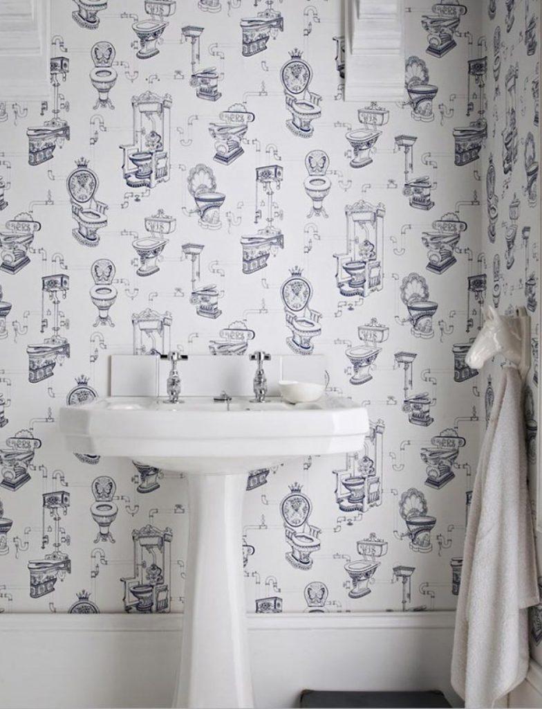 В наши дни все чаще можно увидеть в ванной на стенах обои