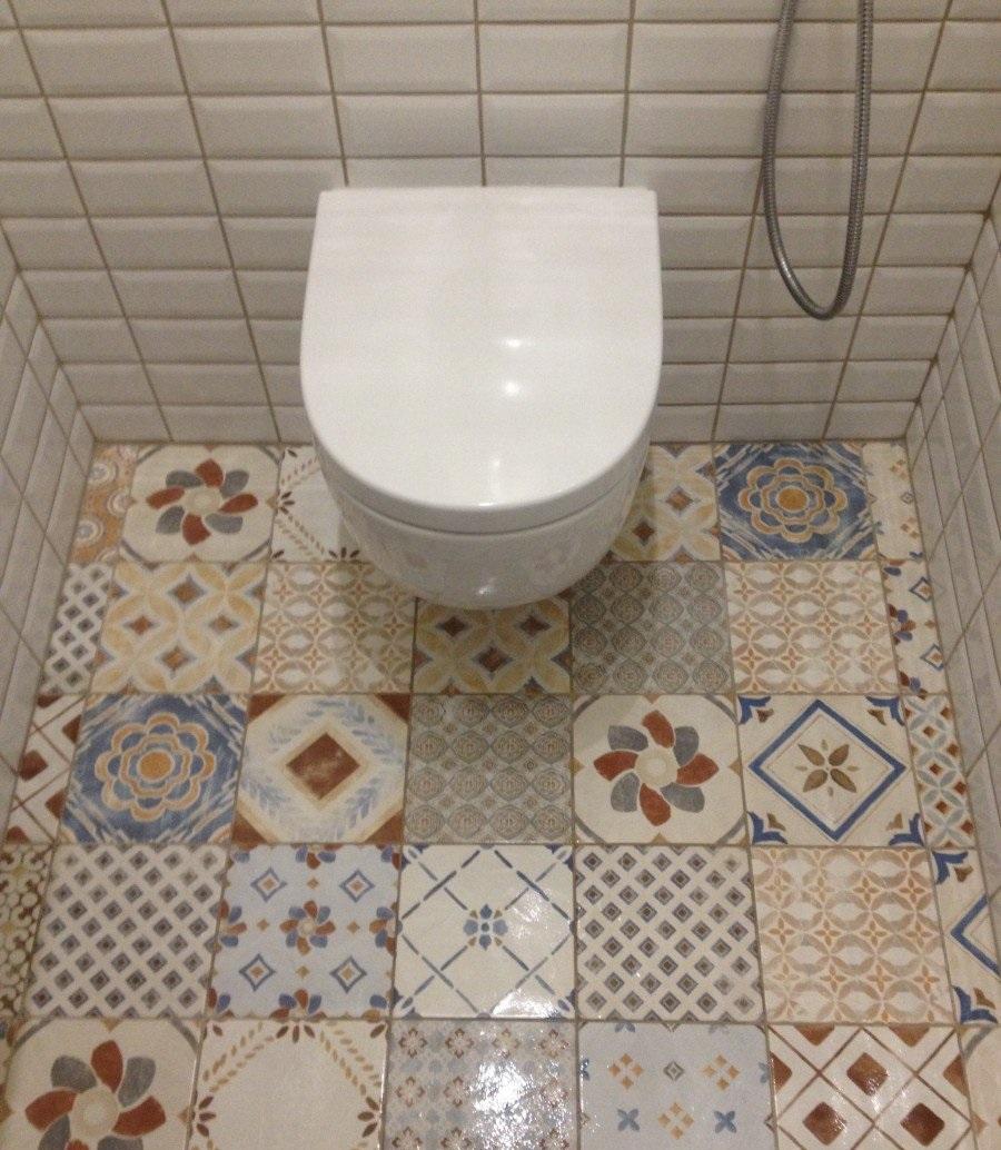 Керамическая плитка для туалета