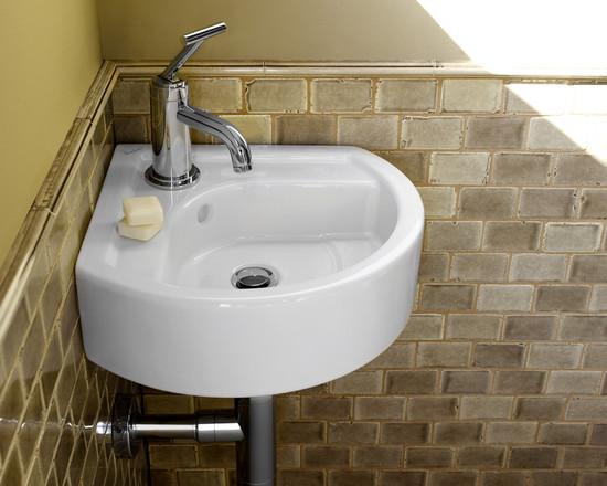 Самый «ходовой» размер маленьких угловых раковин для туалета