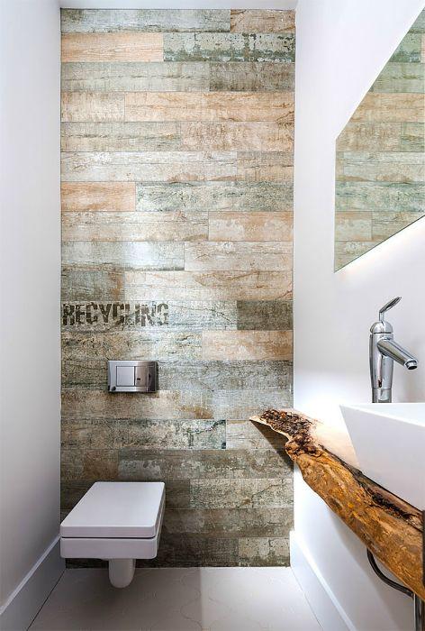 Туалет с акцентной стеной в стиле лофт